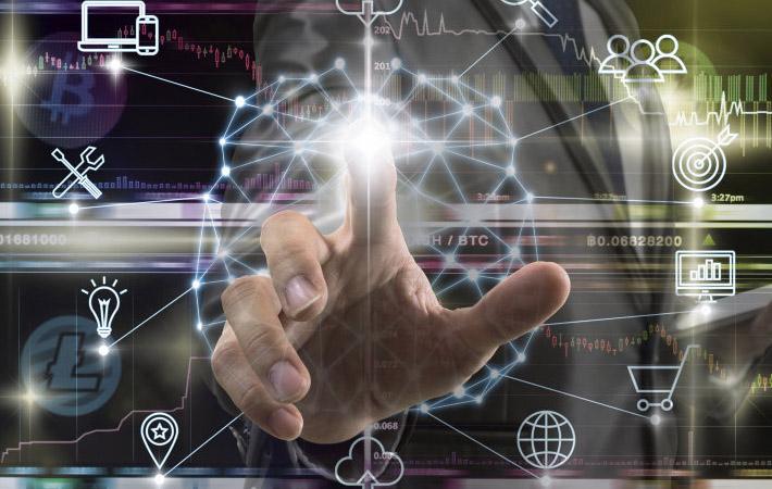 Доклад, подготовленный в четверг Эммануэлем Макроном и опирающийся на опубликованный накануне отчёт Седрика Виллани, не вызывает сомнений. «Европа остаётся за бортом развития искусственного интеллекта, а Франция пропустила все последние технологические революции», - констатирует президент, имея в виду мобильность, роботизацию, полупроводники...