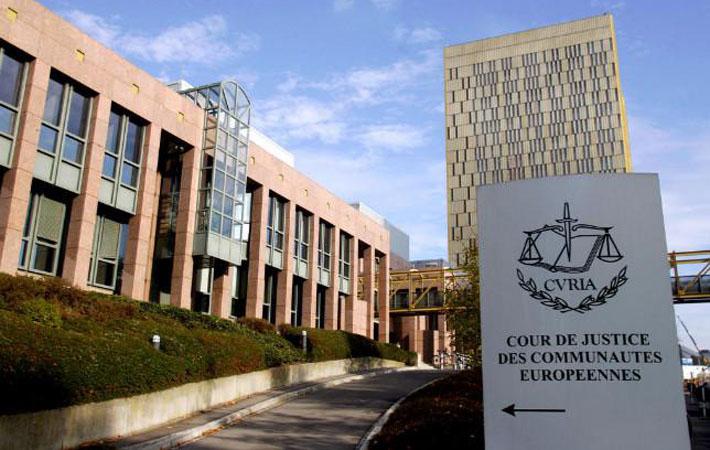 Положения, касающиеся «защиты инвесторов» специальными и частными «арбитражными судами», призванные разрешать споры между транснациональными корпорациями и государствами-членами ЕС, смогут отныне «увидеть свет» только в том случае, если каждый из 28 парламентов этих стран даст чёткое и недвусмысленное согласие с этими мерами!