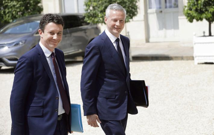 Внимание, готовится диверсия. В 2018 Эммануэль Макрон и его правительство могут подготовить новый закон о «трансформации экономики», и сопровождающий его процесс приватизации. Во всяком случае это то, о чём говорится в кулуарах министерства экономики и финансов, и о чём писала газета «Le Monde» 13 и 14 августа.
