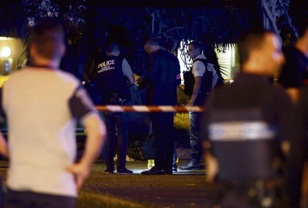 Всего за одну неделю было зафиксировано не менее трёх случаев агрессии со стороны полицейских. Генеральная инспекция национальной полиции (ГИНП) начала расследование по каждому инциденту.