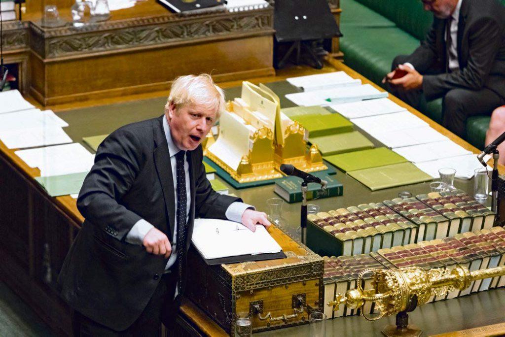 Не получив одобрения Палаты общин, выступающей против Брекзита без соглашения, нынешний хозяин резиденции на Даунинг-стрит, 10 продолжает упорствовать. Подобная решимость – характерная черта британских правящих кругов, состоящих из национал-либералов.