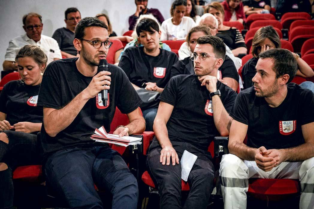 В минувший вторник в Сен-Дени состоялось общее собрание медсестёр, санитаров и младшего медицинского персонала. Итогом встречи стало решение продолжать забастовки.