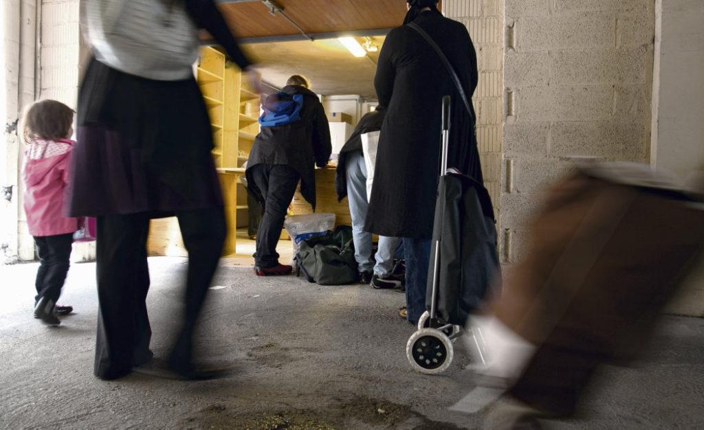 13-е социологическое исследование организации «Secours populaire francais» даёт ответ на вопрос о том, как воспринимают бедность дети, которым всё чаще приходится сталкиваться с взрослыми проблемами.