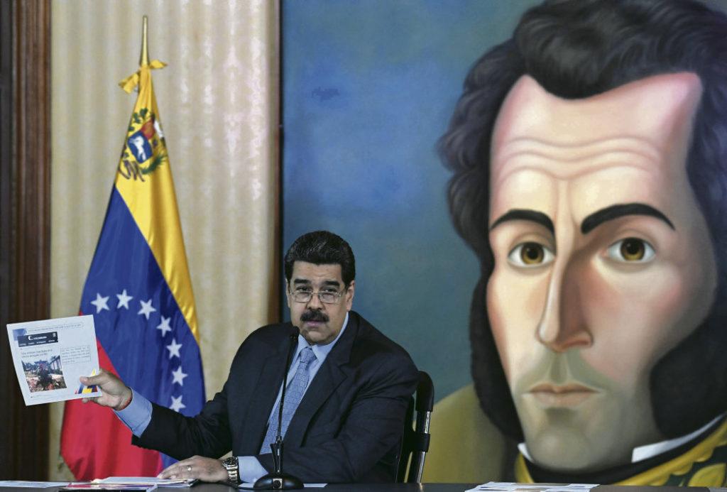 Президент Николас Мадуро призвал возобновить диалог с оппозицией под эгидой Норвегии. Вашингтон и его союзники пытаются спасти самопровозглашённого главу Венесуэлы Хуана Гуайдо, чьи отношения с парамилитарными формированиями выглядят очень сомнительно.