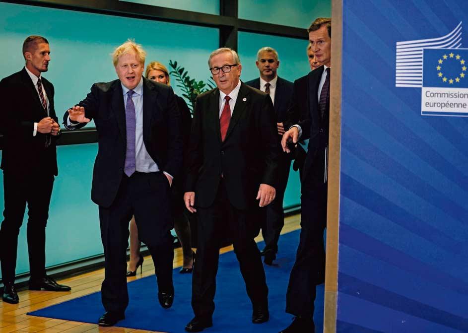 Борис Джонсон и официальные представители Евросоюза пришли к новому соглашению по Брекзиту. Теперь решение сторон должны одобрить британский Парламент, где по-прежнему идут оживлённые дискуссии этому вопросу, и саммит ЕС.