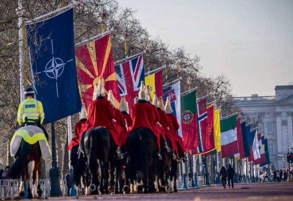 70-летний юбилей Североатлантического альянса отмечается в рамках открывшегося в Лондоне саммита стран-членов НАТО, проходящего в условиях ощутимой напряжённости в отношениях между Вашингтоном и Анкарой. По вопросам о терроризме и взаимодействии с Россией мнения участников встречи разделились.