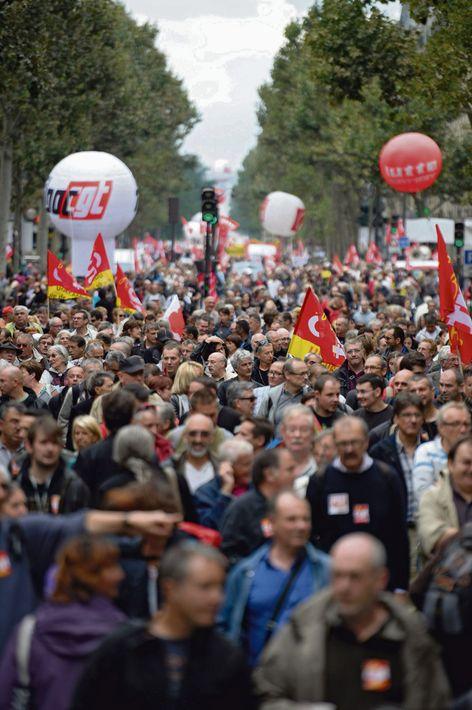 Все профсоюзные активисты на местах подтверждают, что акция 5 декабря обещает стать массовой, и в ней примут участие не только сотрудники государственных компаний.