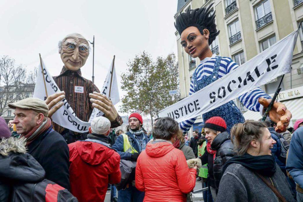 В минувший четверг во Франции прошла забастовка исторического масштаба. Огромное количество людей вышло на улицы, чтобы сказать решительное «нет» реформе, которую правительство защищает изо всех сил.