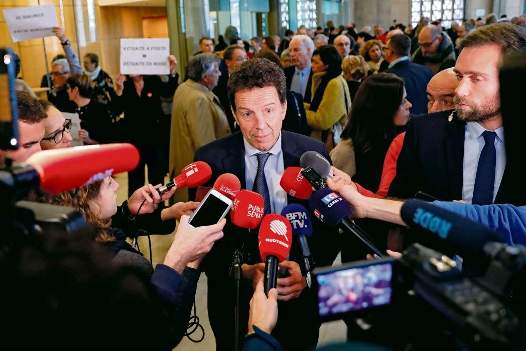 Сегодня объединение работодателей и владельцев предприятий является единственным социальным партнёром, одобряющим пенсионную реформу. Это стратегическое решение правительства, которое пытается таким образом получить поддержку состоятельных французов и пенсионеров – электората, в укреплении которого оно чрезвычайно заинтересовано.