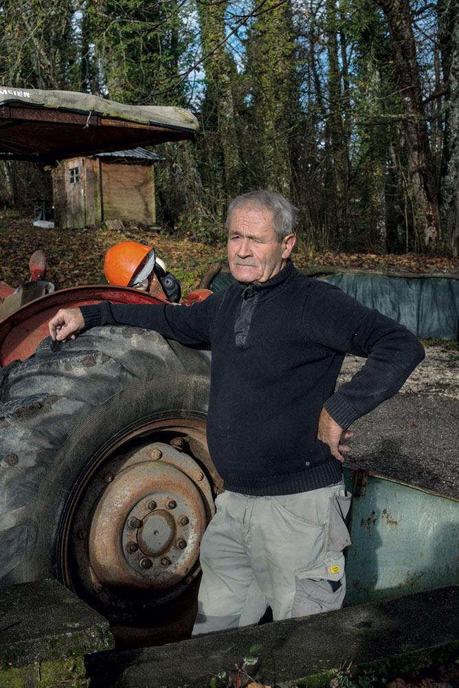 Андре Тиссо, 74-летний пенсионер из департамента Верхняя Савойя, занимался животноводством. Он считает, что, по сравнению с другими, ему «повезло». Его пенсия составляет 770 евро в месяц. Он убеждён в том, «надо делать всё, что в наших силах» и выступать в поддержку системы, гарантирующей достойную пенсию.