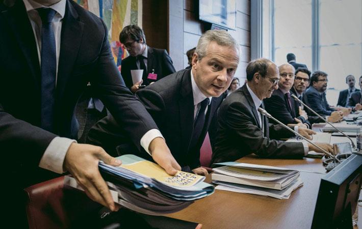 Напрасно вчера правительство проявило чудеса изобретательности, представляя свой финансовый план на 2018 год как план «покупательской способности» домохозяйств. Цифры - вещь упрямая.