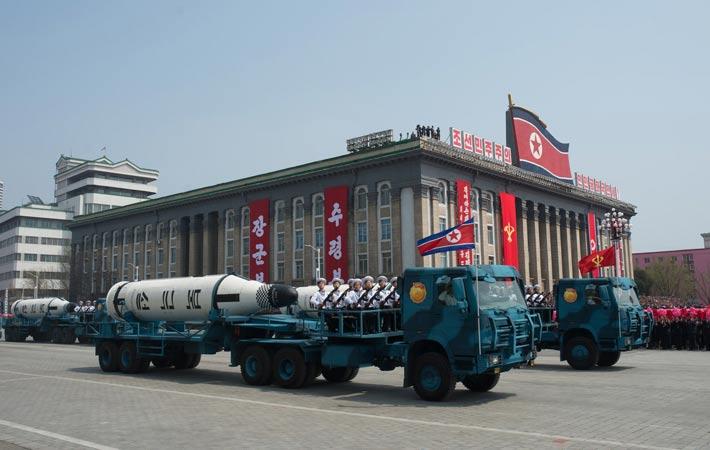 Постоянная напряжённость в отношениях между Пхеньяном и Вашингтоном позволяет Соединённым Штатам продолжать экономическую войну, направленную главным образом против Москвы и Пекина.