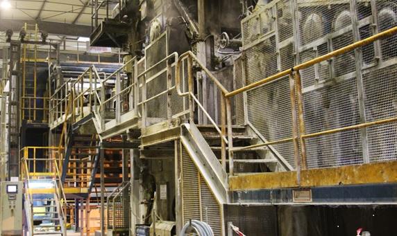 «Я по-прежнему горжусь этим заводом. Всё до сих пор подключено к питанию, соблюдаются меры противопожарной безопасности. Мы внимательно следим за тем, чтобы трубопроводы не разрывались, чтобы не протекали крыши...». Вся карьера Жан-Люка Шуане связана с заводом компании «ArjoWiggins», находящемся в Визерне (департамент Па-де-Кале), деятельность которого была остановлена в 2015 году.