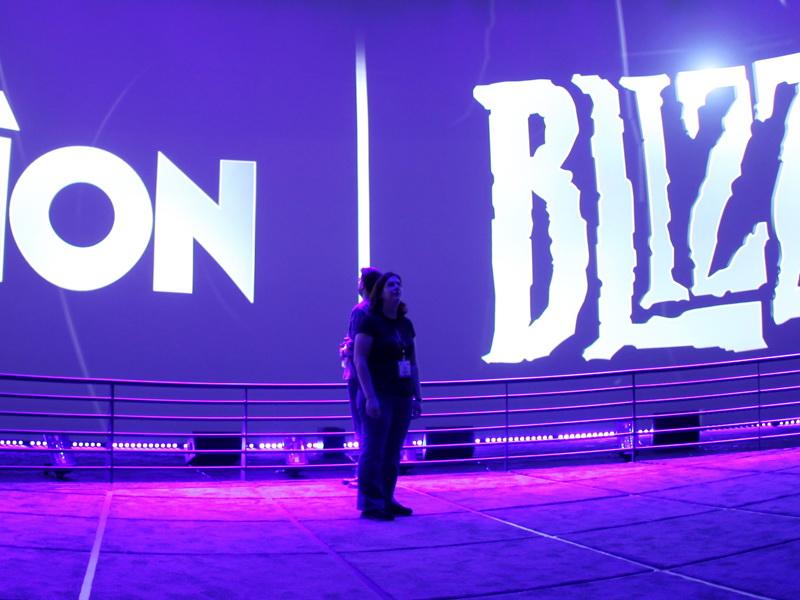 Activision Blizzard, одна из крупнейших компаний в сфере видеоигр и развлечений, без какого-либо экономического обоснования объявила о сокращении трети своих сотрудников, работающих во Франции. Ожидая решения Региональной Дирекции по делам Предприятий, Конкуренции, Потребления, Труда и Занятости (DIRECCTE) по поводу этих планов, люди начинают проявлять всё больший интерес к профсоюзному движению.