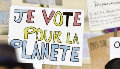 Демонстрации в защиту климата и политических интересов