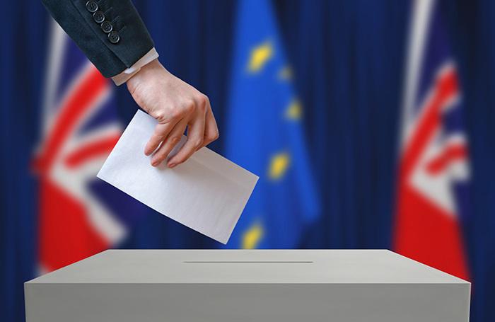 Благодаря своей риторике о социальной справедливости Джереми Корбин сильно поднялся в рейтингах популярности. Сейчас будущее выборов находится в руках молодёжи. Именно их голоса могут лишить консерваторов большинства в Парламенте.