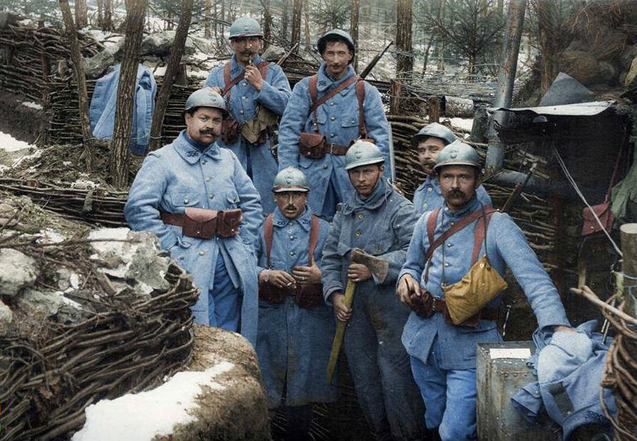 Холод, снег, немцы, занявшие позицию на возвышенности – всё сошлось один к одному, чтобы сделать условия битвы для французских солдат невыносимыми. За десять дней боёв число погибших достигло 30 тысяч.