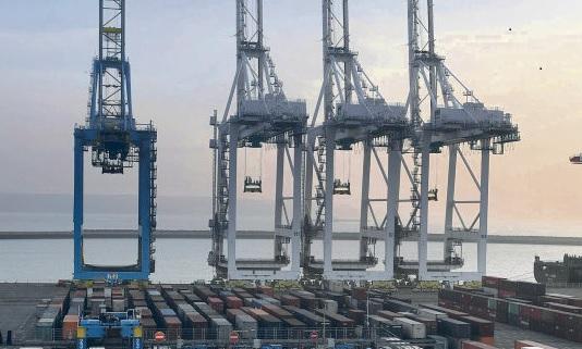Руководство Европейского союза продолжает использовать неопределённость ситуации ввиду предстоящего Брекзита для того, чтобы либерализировать и дезорганизовать экономику и деятельность стран-членов ЕС. На этот раз не у дел оказались французские порты. Выход Соединённого Королевства из Европейского союза (ЕС), начатый 29 мая 2017 года, привёл к тому, что Европейская комиссия изменила маршруты морских торговых путей, идущих вокруг континента.