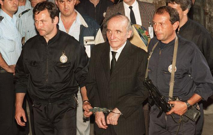 4 июля 1987 года, по окончании 9-недельного процесса, суд присяжных департамента Рона признал Клауса Барби, нациста, бывшего начальника гестапо в Лионе, виновным в совершении семнадцати преступлений против человечества.