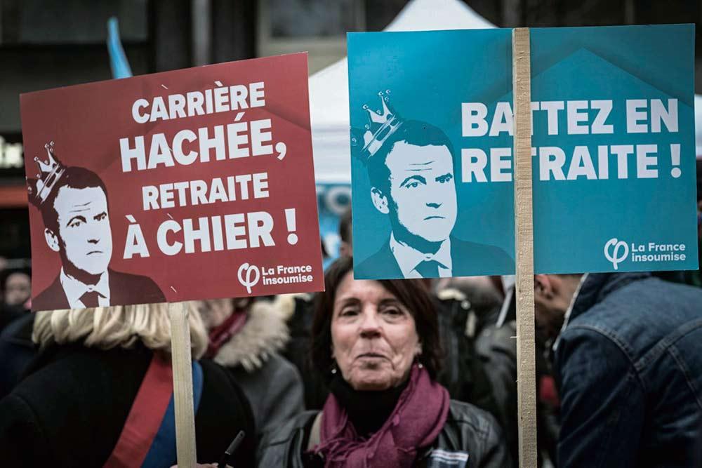 Сторонники сохранения существующей пенсионной системы мощно заявили о себе во время акции протеста, организованной по инициативе ВКТ, «Рабочей силы», FSU и профсоюза руководящих работников CFE-CGC. Правительство и профсоюзы, поддерживающие реформу, продолжают в один голос рассуждать о базовом пенсионном возрасте.