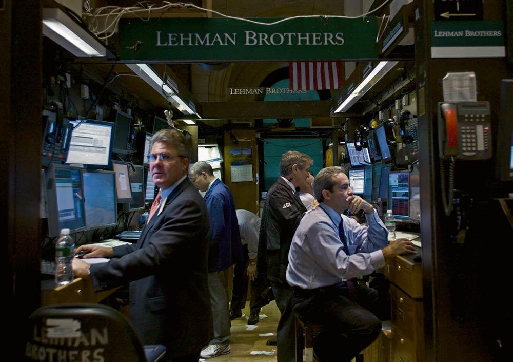 Кризис 2008 года уже обернулся потерей 5 000 миллиардов евро, а проводимые сегодня реформы позволят финансовым биржам продолжить разграбление народных накоплений.