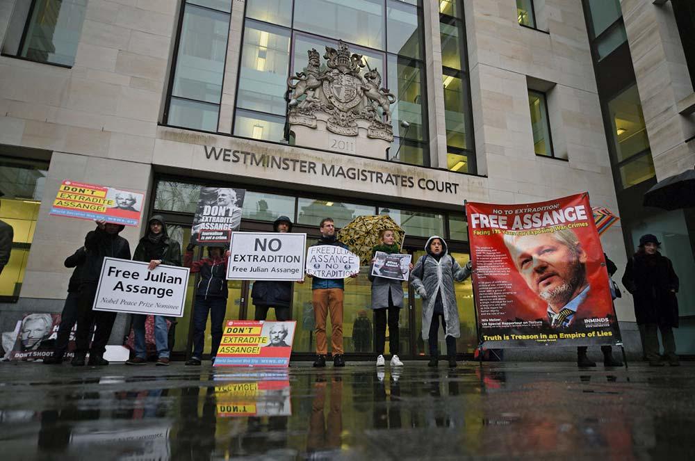 На этой неделе начнётся судебный процесс по вопросу об экстрадиции основателя «WikiLeaks». В США журналист, обвинённый в «шпионаже», может получить приговор 175 лет судебного заключения.