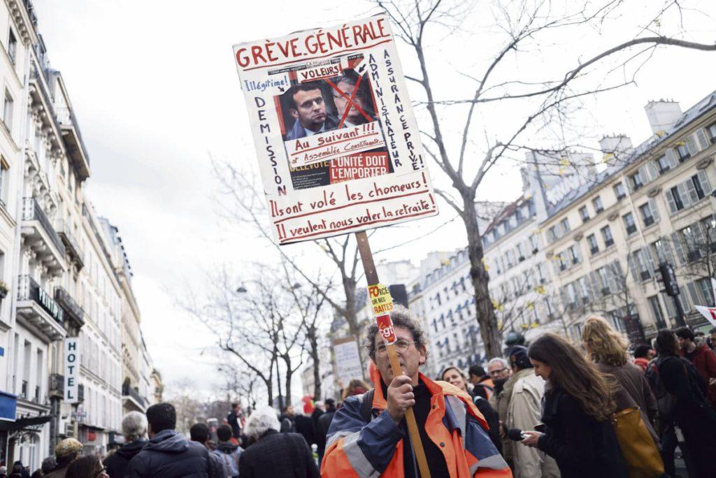 Нетрудоустроенные оказались в числе первых жертв реформы страхования от безработицы и пенсионной реформы. Профсоюзное отделение ВКТ для безработных установил, что каждая вторая вакансия на сайте биржи труда «Pôle emploi» является нелегальной. Ошеломляющая информация.