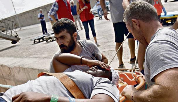 В субботу в 9 часов утра в порт Пальма-де-Майорка вошли два корабля неправительственной организации Proactiva Open Arms. Во время пути в Ливийском море утонули ребёнок и его мать.