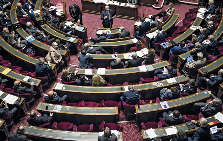 По окончании выборов, которые состоятся 24 сентября, у Сената будет другое лицо. Из 348 кресел Государственного совета 170 должны будут обновиться
