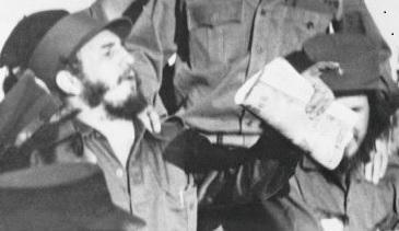 Январь 1959 года принёс победу кубинскому адвокату Фиделю Кастро. Он, а также Эрнесто «Че» Гевара с отряды «барбудос» вели с 1956 года борьбу на родном острове Фиделя Куба, чтобы освободить его от проамериканского диктаторского режима Батисты
