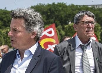 С точки зрения лидера французских коммунистов, внутреннего конфликта в партии нет. За три дня до открытия съезда ФКП комиссия по отбору кандидатов на своём заседании, состоявшемся во вторник, единогласно проголосовала за выдвижение общего списка.