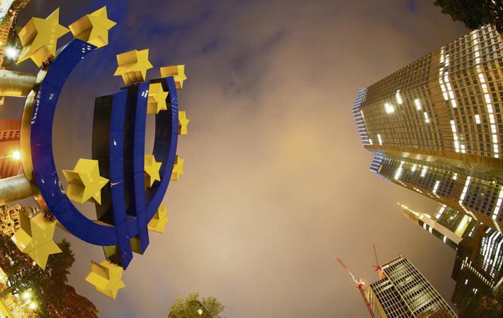 Для Жан-Люка Меланшона европейская избирательная кампания 2019 года уже началась. Основатель «Франции непокорённой!» в конце ноября опубликовал список кандидатов от своего движения и ораторствует беспрерывно