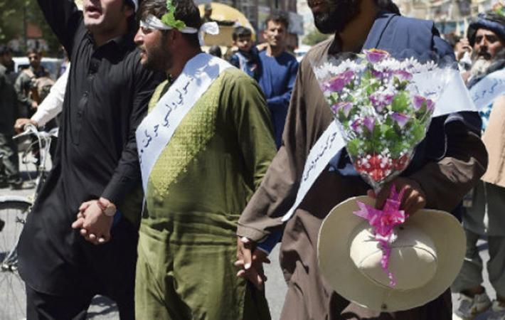 Их было всего восемь, когда они уехали из провинции Гильменд (юг Афганистана) после произошедшего там 23 марта 2018 года в Лашкаргахе очередного теракта с заминированным автомобилем, в результате которого погибло 13 человек.