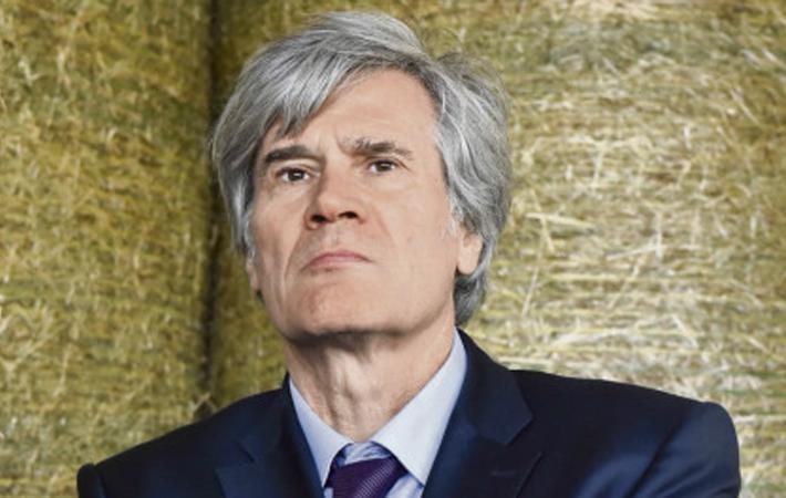 Стефан Ле Фолль, бывший министр сельского хозяйства в правительстве Франсуа Оланда, а ныне депутат Национального собрания, берётся за нелёгкое дело: не только возглавить, но и оживить «обескровленную, едва дышащую партию, которая после двойного поражения».