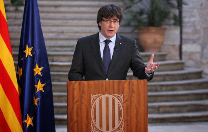 В списке стран, в числе первых выразивших в пятницу поддержку Мариано Рахою, Франция во главе с Эммануэлем Макроном занимает одно из почётных мест.