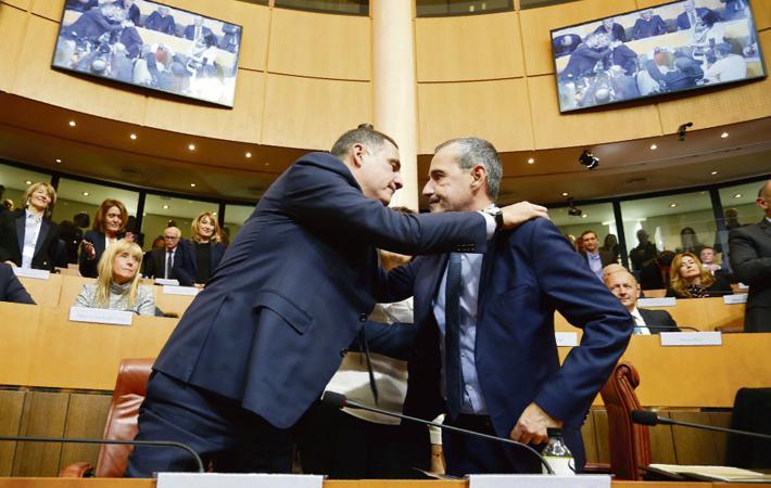 Вчера, после первого заседания в Аяччо новой Ассамблеи, Корсика официально объявлена первой «Единой территориальной общностью».