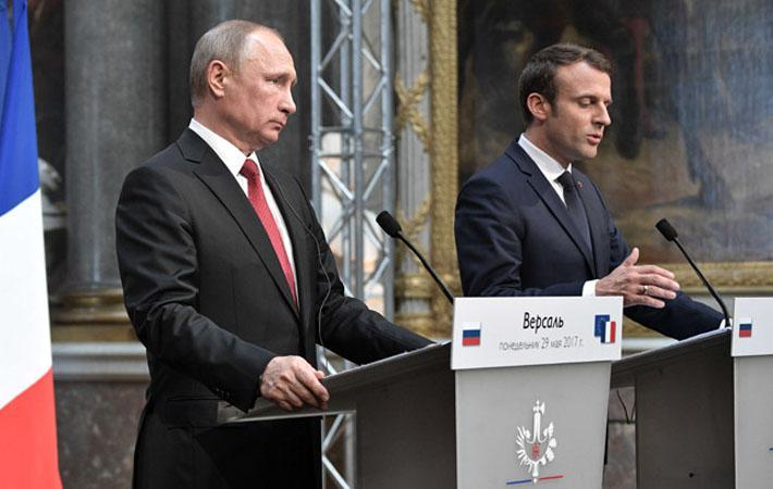 В этом году, когда слышишь слово «Россия», сразу приходит на ум 1917 год. Но вчера, несомненно, взгляды Владимира Путина и Эммануэля Макрона были обращены к более отдалённой эпохе – 1717 году