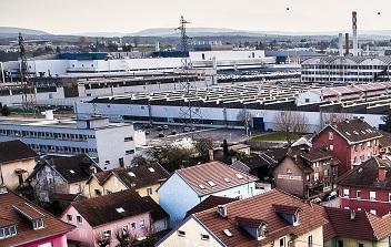 Всё отлично! По словам министров, на французских предприятиях создаются новые рабочие места, и происходит это в том числе за счёт грамотной налоговой политики. «В стране впервые за долгое время созданы рабочие места на промышленных предприятиях