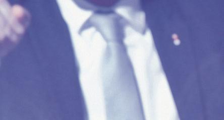 Вчера 19 часов в Современном культурном городском центре Мануэль Вальс выдвинул свою кандидатуру на пост мэра Барселоны. Депутат и по совместительству бывший премьер-министр Франции родился в Испании; когда ему было 20 лет, он принял французское гражданство
