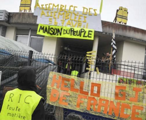 Ассамблея ассамблей «жёлтых жилетов», состоявшееся в Сен-Назере 5–7 апреля, прошло успешно. 200 делегаций, тысяча участников – прекрасный пример прямой демократии и призыв к «действиям и мобилизации» на долгосрочную перспективу