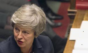 Терезе Мэй скоро не хватит пальцев на руках, чтобы подсчитать все удары, полученные ею от соратников в ходе подготовки выхода страны из Евросоюза…