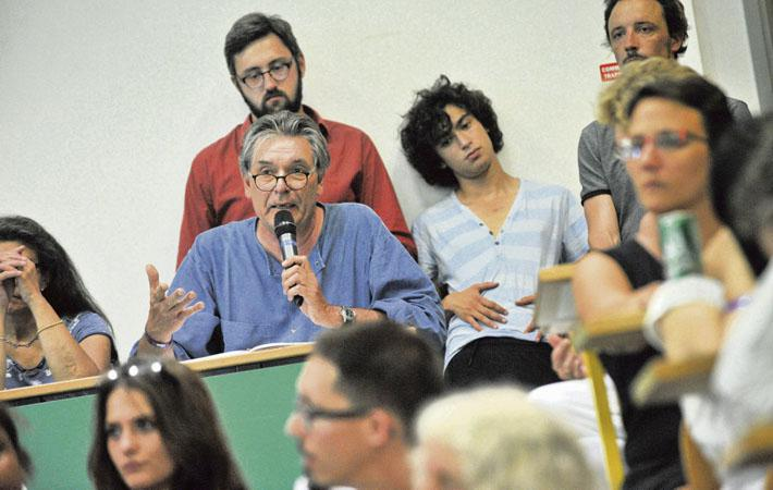 Несмотря на парламентское фиаско, партия Эммануэля Макрона не сочла нужным заняться обучением своих депутатов.