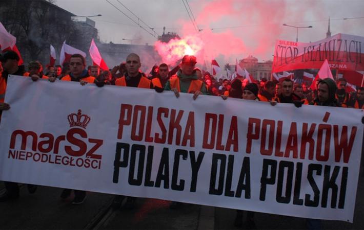 Президент Анджей Дуда напрасно пытался вновь поиграть в объединителя нации. Он был вынужден констатировать, что в сегодняшней Польше крайне правые силы, как находящиеся у власти, так и стоящие в оппозиции, являются жертвами глубоких противоречий