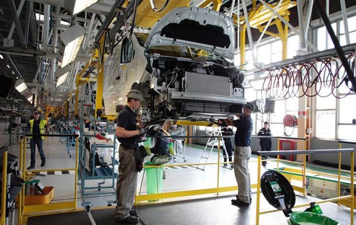 «Могу вас заверить, что территория полностью заминирована», – на проводе Янник Огра, секретарь профсоюза CGT производственного комитета GM&S Industry, и он не шутит.