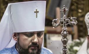 Когда 6 января православный патриарх Константинопольский Варфоломей объявил в Стамбуле о признании независимости украинской церкви от России, что многими было расценено как «раскол», реакция польского православного духовенства не заставила себя ждать.