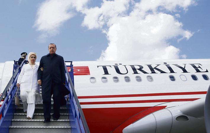 В эту пятницу в Париже президенту Турции Реджепу Тайипу Эрдогану приготовлен официальный приём. Что ждут стороны от этой встречи? Помимо вопроса о правах человека, который Эммануэль Макрон, кажется, собирается затронуть, на повестке дня будет стоять обсуждение ситуации в Сирии и Палестине