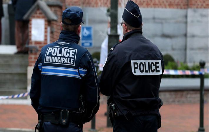 Полиция повседневной охраны общественной безопасности (PSQ), создание которой, обещанное Макроном во время избирательной кампании, названо одной из главных задач пятилетки и возведено в ранг приоритета бюджетной политики на 2018 год, начнёт «проходить обкатку» с января 2018 года.