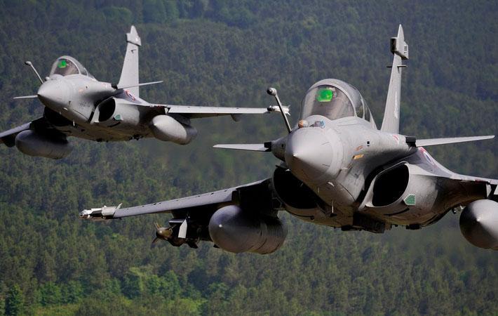 F-35 «Локхида Мартина», главная достопримечательность последнего авиасалона в Ле Бурже, является уникальным воплощением противоречий, присущих оборонной политике стран Европы.