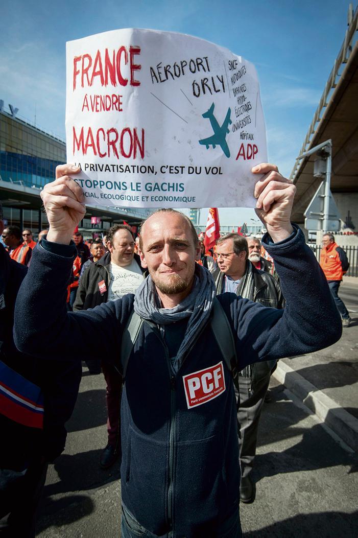 В ночь со среды на четверг может стартовать сбор подписей за проведение референдума по вопросу о приватизации оператора парижских аэропортов. Решающее значение будут иметь те аргументы, при помощи которых граждан попытаются убедить в необходимости провести голосование