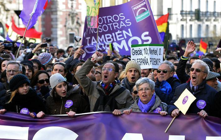 Лево-зелёная коалиция испанских политических партий «Объединённые левые» выступает за федеративную, многонациональную Республику, в которой будет уважаться право народов на принятие решения.